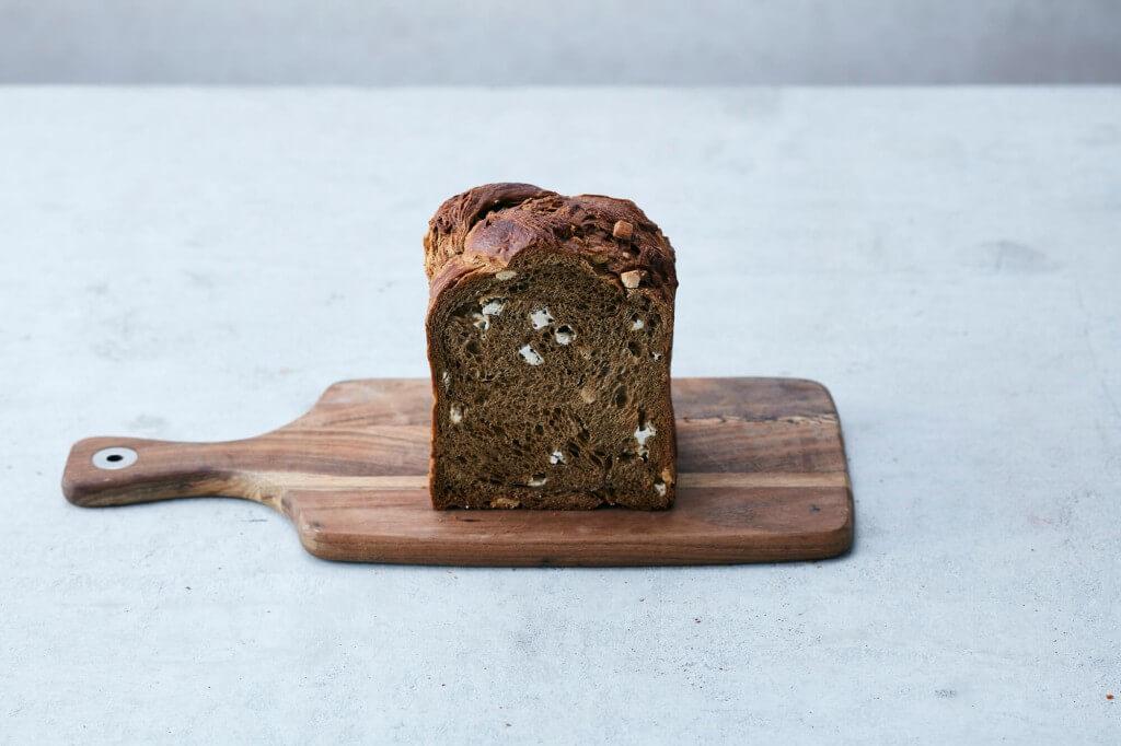 BOUL'ANGE 高級食パン『クロワッサン食パン-ほうじ茶&ホワイトチョコレート』
