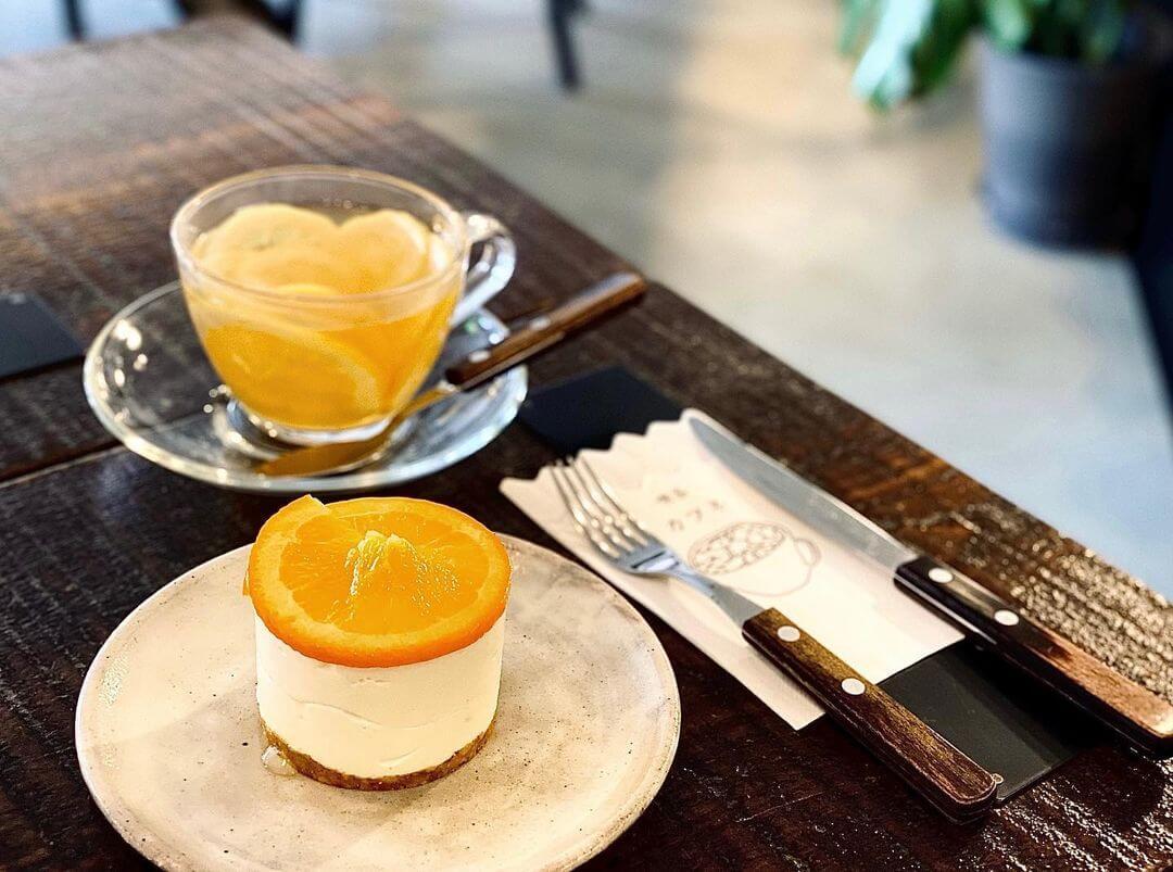 Cafune(カフネ)の『オレンジのレアチーズケーキ』『自家製レモネード』