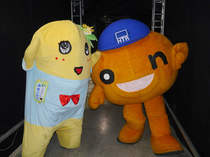 イベントで共演した際のふなっしーとonちゃん(2014年)