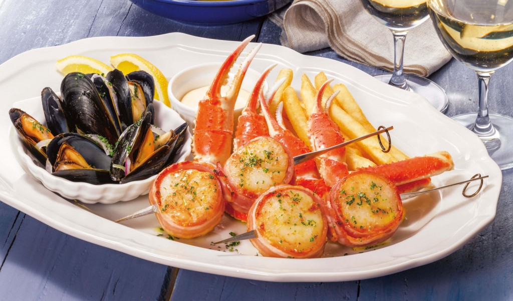 ロイヤルホストの『季節のご馳走フェア』-シーフードプラッター大粒帆立、ずわい蟹、ムール貝