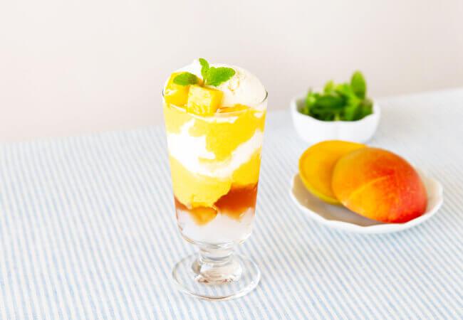 ゆとりの空間の『夏の季節限定メニュー』-マンゴーと紅茶のパフェ