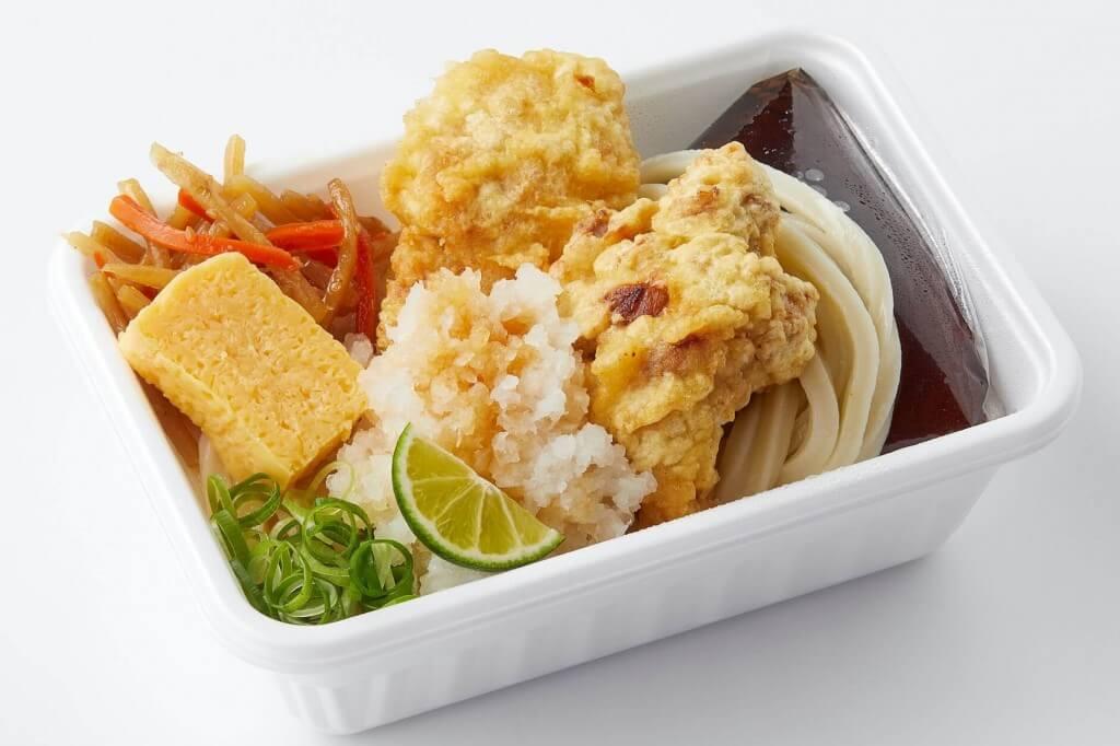 丸亀製麺の『鶏天おろしと定番おかずのうどん弁当』