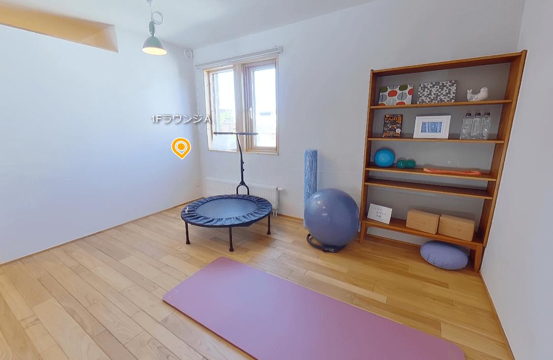 HOUPARKの「SUDOホーム北海道」新規モデルハウス-子供の学びの場や趣味に合わせた多様用途を持つ空間