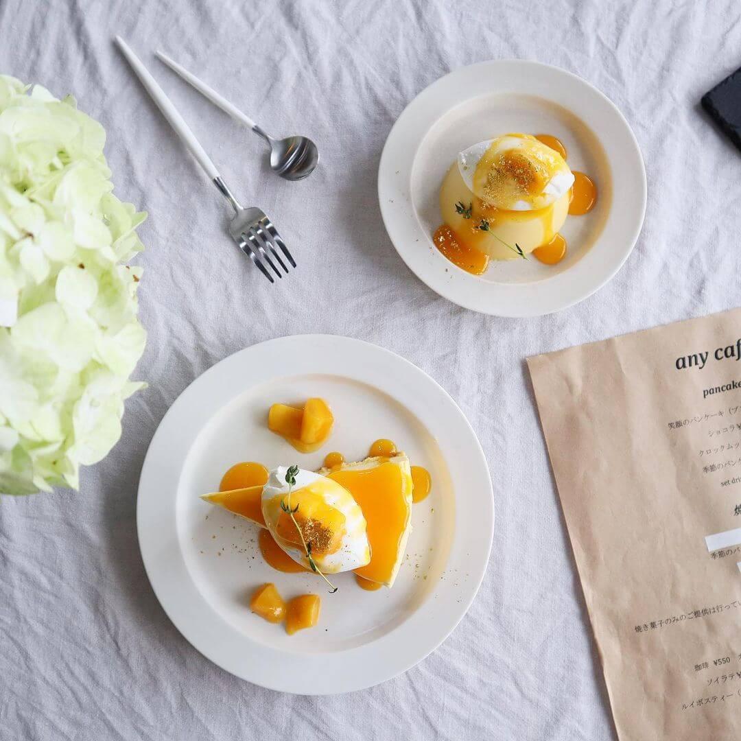 any cafe(エニーカフェ)の『マンゴーレアチーズケーキ』『マンゴームースプリン』