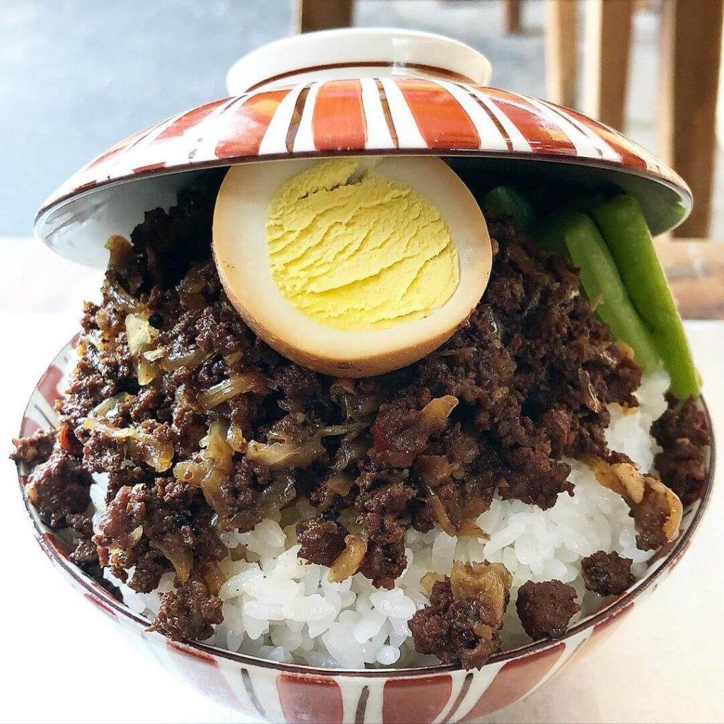 ぶっかけご飯 on the RICEの『魯肉飯』
