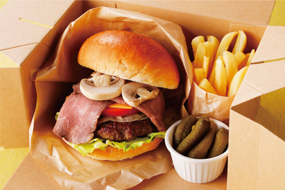 札幌エクセルホテル東急の『十勝マッシュルームとローストビーフのハンバーガー』