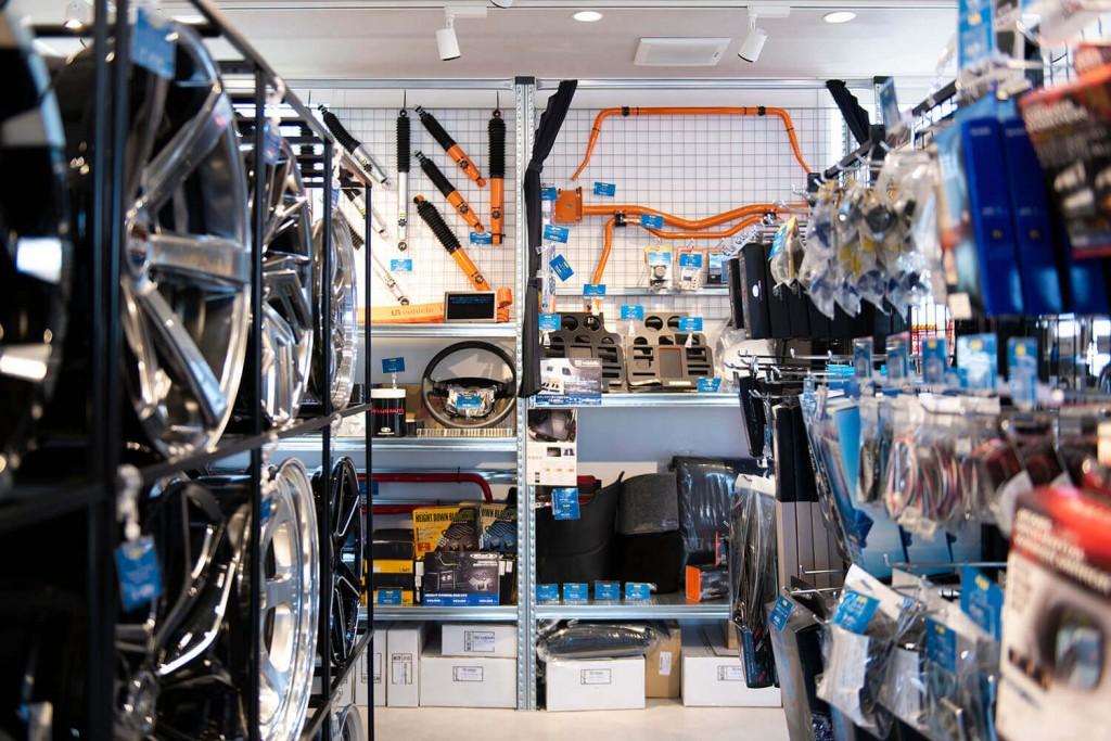 FLEX HIACE BASE SAPPORO(ハイエースベース札幌)の店内