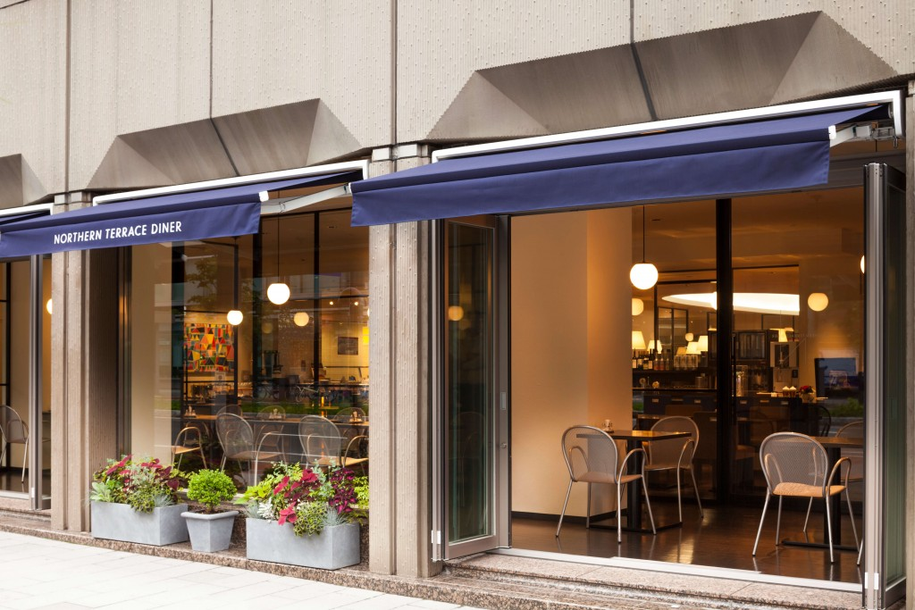 札幌グランドホテルのレストラン「ノーザンテラスダイナー」-テラス席