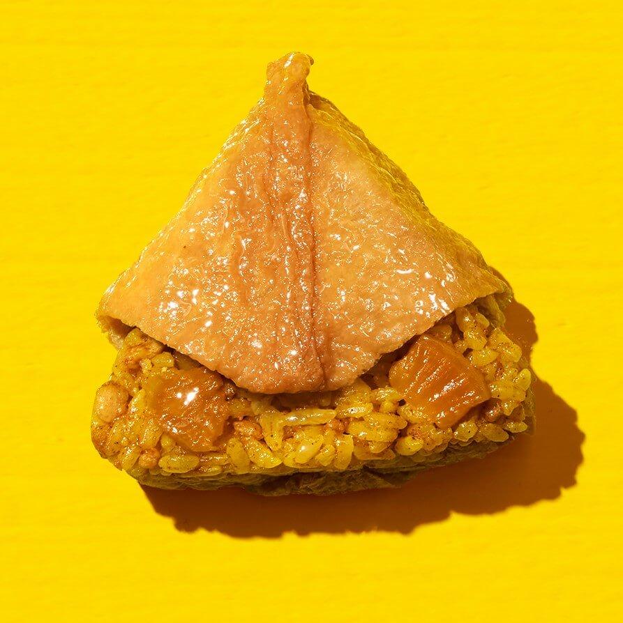 ファミリーマートの『ファミマ 夏のカレー祭り』-スパイシーカレーいなり寿司