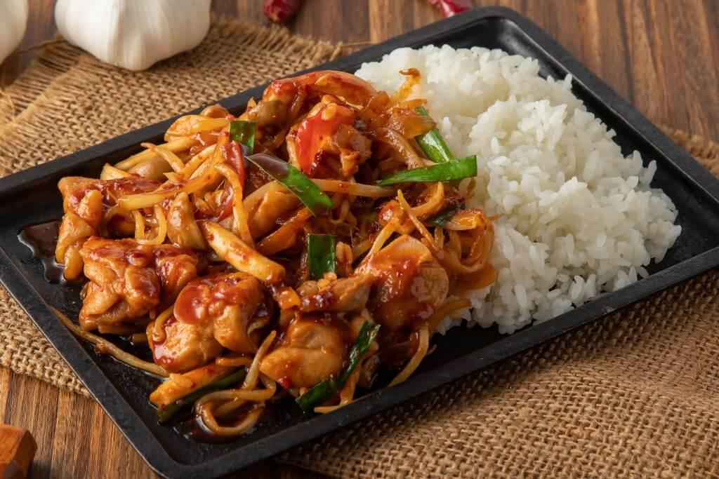 チャンゴン食堂の『タッカルビ丼』
