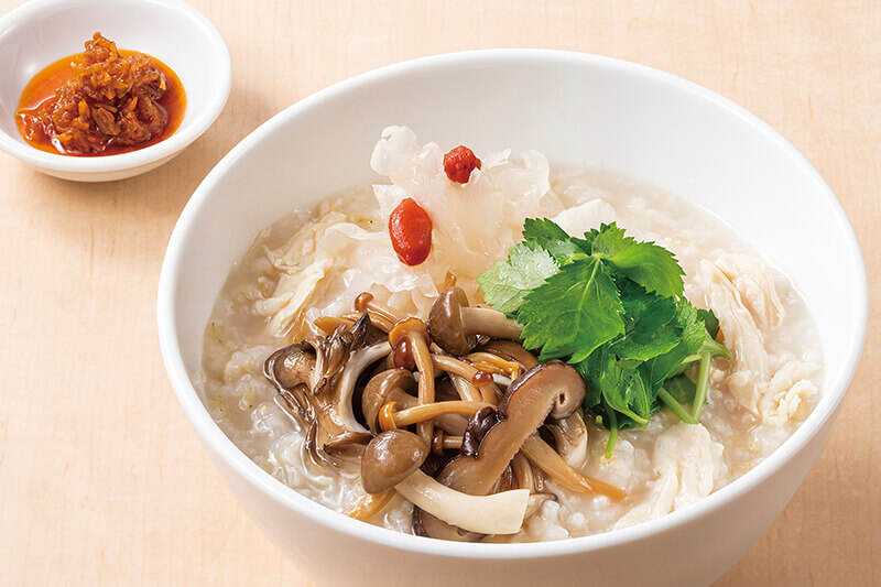 粥餐庁(かゆさんちん)の『秋香る 5種きのこと蒸し鶏のおかゆ』