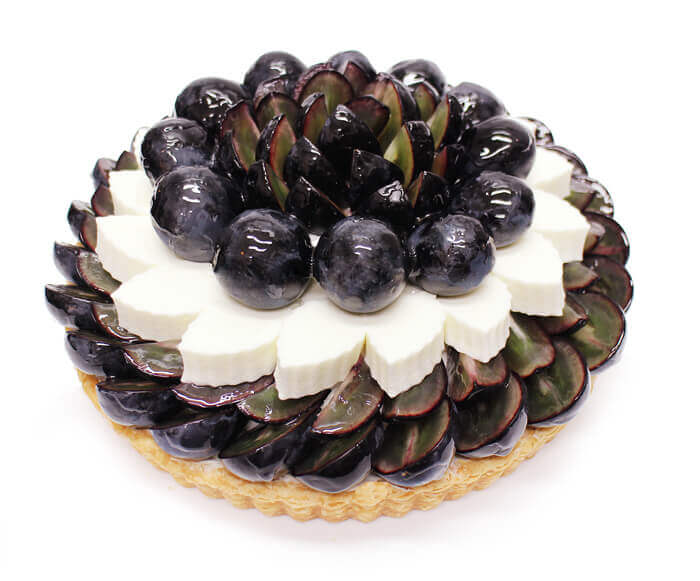 カフェコムサの『長野県産ぶどう「ナガノパープル」とヨーグルトムースのケーキ』