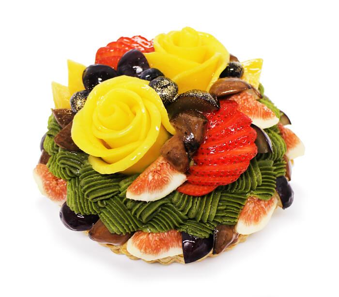 カフェコムサの『敬老の日 限定ケーキ~秋のフルーツとマンゴーローズの抹茶モンブラン~ <予約限定ケーキ>』