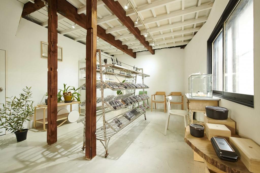 ugo-生活雑貨や家具を取り扱うストア