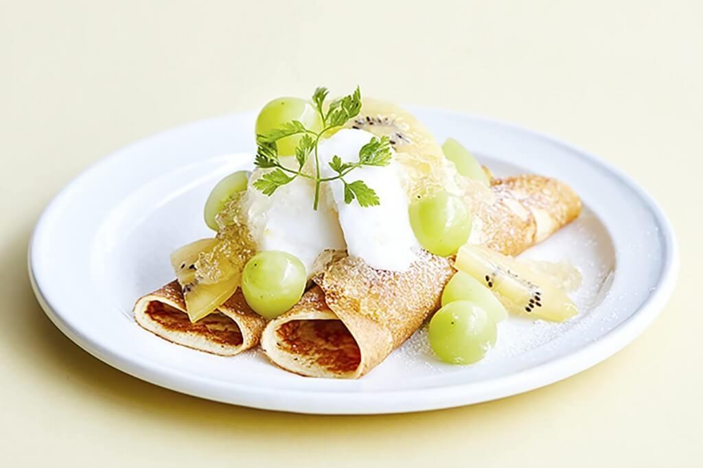 J.S. PANCAKE CAFE(J.S. パンケーキ カフェ)の『シャインマスカットとクレームダンジュのパンケーキ(スモールサイズ)』