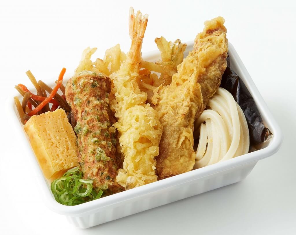丸亀製麺の『3種の天ぷらと定番おかずのうどん弁当』