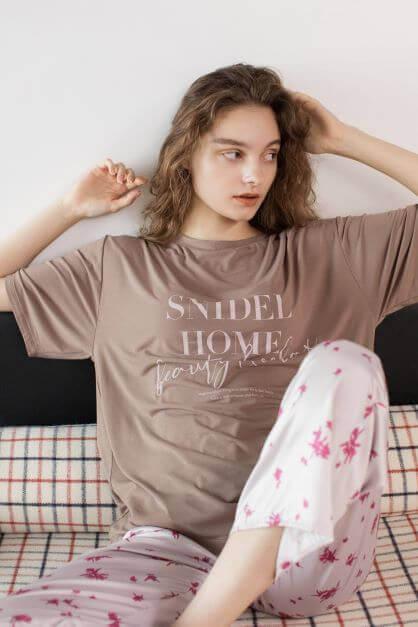 スナイデル ホームの『Tシャツ×パンツセット』