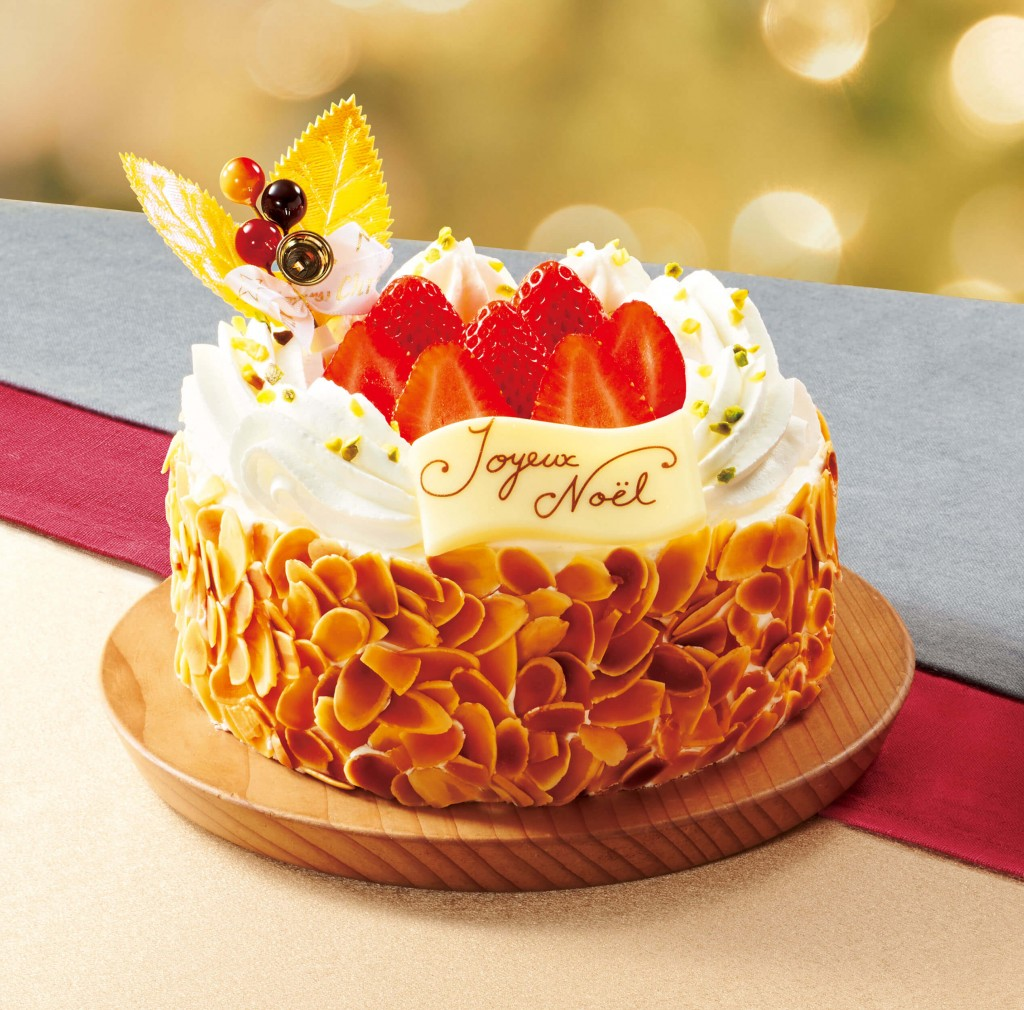 ファミリーマートのクリスマスケーキ2021『ミルフィーユ・シャンティ』