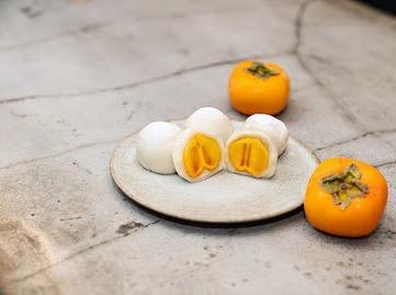 果実大福とフルーツサンドの『果実大福 柿』