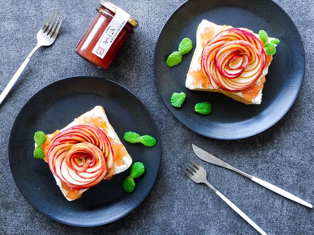 高級「生」食パン専門店 乃が美の『いちじくジャム』-アレンジレシピ「いちじくジャムとリコッタチーズのアップルローズ「生」食パン」