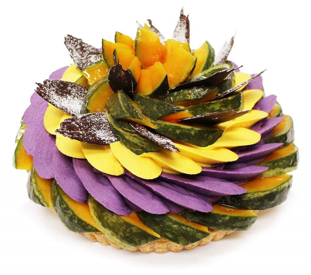 カフェコムサの『ハロウィン限定ケーキ ~かぼちゃと紫芋クリームのケーキ~』
